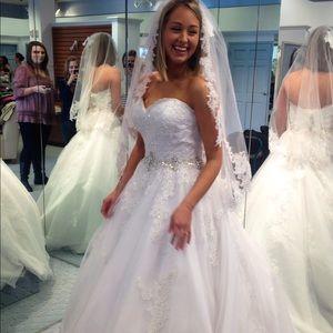 Ball gown wedding dress!